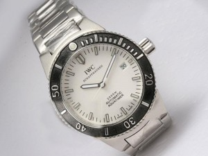 iwc-aquatimer-white-dial-with-black-bezel-watch-17_1